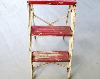 Vintage Metal Ladder Red White Folding Step Ladder Industrial Farmhouse Kitchen Rusty