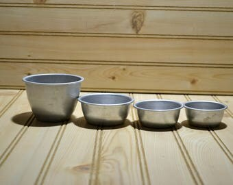 Vintage Aluminum Measuring Cups AL Handleless Kitchen Utensil Set of 4 Nesting No Handles Collectible Kitchenware Hard To Find