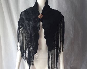 1930s Art Deco knitted shawl