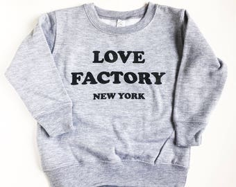 Love Factory New York fleece crewneck slogan sweatshirts gray black unisex S/M-long sleeve shirts-casual tops-sweatshirts-fleece-wobens tops