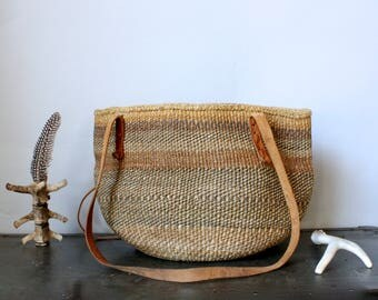 Vintage Sisal Market Bag Leather Straps Straw Purse Straw Beach Bag Sisal Tote Straw Tote Round Straw Bag Tote Sisal Bag Leather Handles
