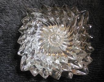 Vintage Set of Three Nut Dishes - Pinwheel Dishes - Pinwheel Ashtrays - Nesting Dishes - Nesting Ashtrays
