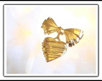 "Gold Tone Bow with Dangling Heart Pin - Inscribed Heart Back ""I Love You, Grandmother"" - Grandma Jewelry - Vintage 1990s Pin-1732a-091414005"