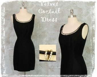 Vintage Black Velvet Cocktail Dress, Evening Dress, Hourglass Dress, Mini Dress, 1990s Dress, Sexy Fitted Dress, Black, Medium