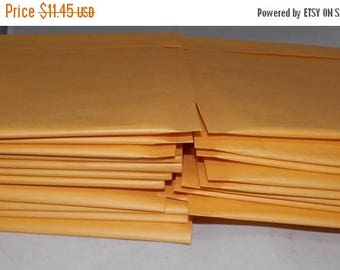 On Sale 50 6 x 9  Kraft Bubble Mailer Self Seal Envelopes- size 00 (6 x 9.5 usable space) Yellow Poly bubble shipping mailers, Protective ma