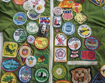 Awesome Green Windbreaker With Vintage Patches // Vintage Embroidered Patches// Vintage Girls Scouts // Vintage Disney //