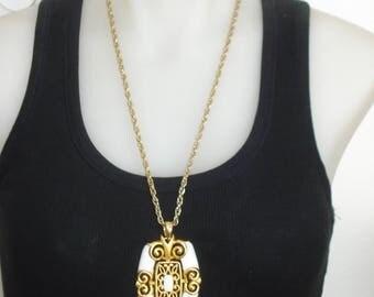 White and Gold Pendant Necklace - Chunky Swinging 60s -  - JJ Costume Jewelry 1960s