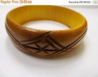 ON SALE Vintage Hand Carved Wooden Bangle Bracelet Item K # 2708