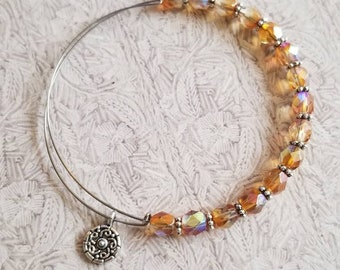 Perfect Peach - Expandable beaded bangle