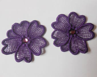 2 flowers in purple lace with Rhinestones