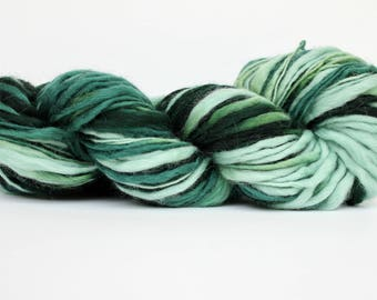 Thick and Thin Yarn, Wool Yarn,  Temptation Tweed Yarn,  Worsted Yarn, Aran Weight Yarn, Blanket Yarn, Seaweed Color