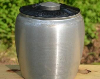 eb2393 Spun Aluminum Vintage Cookie Jar with Bakelite Lid KROMEX
