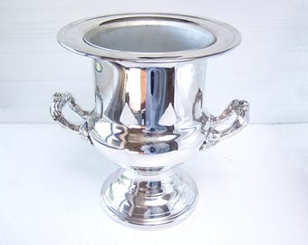 Silver Ice Bucket. Vintage Silver Plate Champagne Or Wine Chiller.  With Removeable Liner.  Champagne Cooler, Wine Cooler.