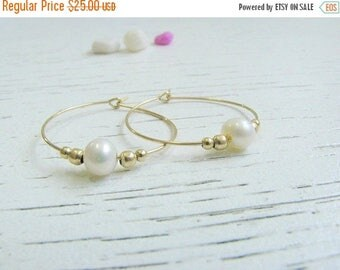 SALE - Pearl hoops - Hoop hoops - Hoop earrings - Dainty pearl earrings - Pearl hoops earrings - Fresh water pearl earrings