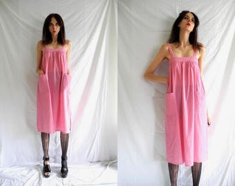 60's pink hippie sleeveless cotton smock dress with quilted patch pockets.