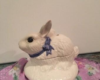 Vintage Bunny potpourri, sachet holder