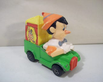 Vintage Walt Disney Matchbox Pinocchio Traveling Theatre Die-Cast Truck Vehicle 1979 Leseny, Hong Kong