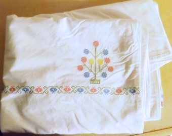 Reduced - VINTAGE EMBROIDERED White DUVET Cover - Handmade from heavy cotton - approx large single size