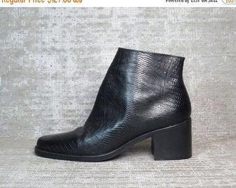 40OFF Vtg 90s Black Embossed Snakeskin Leather Minimal Block Heel Ankle Boots 6