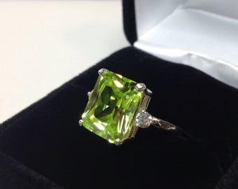 Beautiful 6ct Peridot Quartz & Sterling Silver 14kt White Gold Yellow Gold Ring Size 5 6 7 8 9 Trending Jewelry Gemstones Emerald cut perido