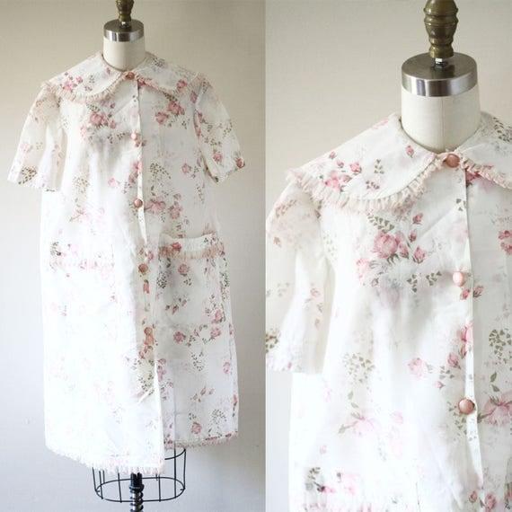 1960s floral robe // 1960s peter pan collar robe // vintage robe