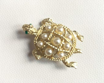 Vintage Turtle Brooch 1970s Pearl Turtle Pin Gold Tone Faux Pearls Vintage Brooch Vintage Novelty Jewelry Vintage Costume Jewelry 1960s 1970