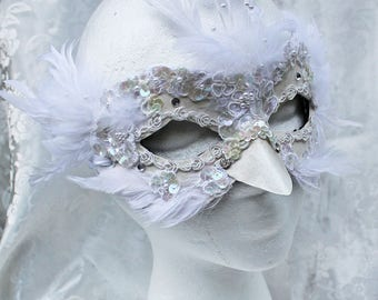 White Feather Leather Masquerade Mask, Feather and Leather Fantasy Bird Masquerade Mask, White CosPlay Snow Bird Mask