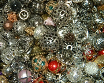 NEW Jesse James Loose beads  100/pcs Mixed metal, Acrylic hardware Mixed randomly pick Assorted Spacer beads