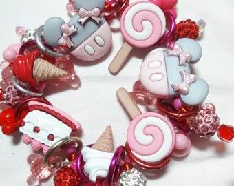 Minnie Mouse sweet treats bracelet/Beadiebracelet