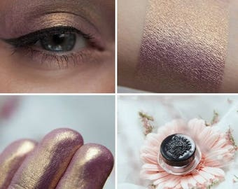 Eyeshadow: Impatiens - MoonElf. Purple gold satin eyeshadow by SIGIL inspired.