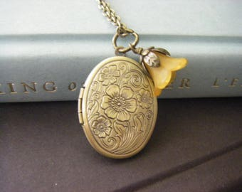Oval Floral Locket Wire Wrapped Flower Dangle Buttercup Vintage Dangle For Her