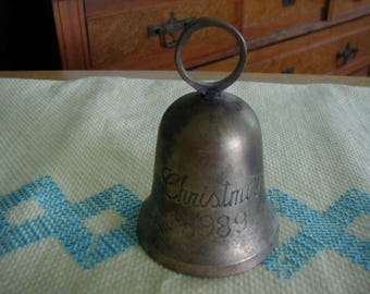 L@@K  Solid brass Christmas Bell fromChristmas 1989.   Great little keepsake if 1989 was a great year!!!