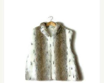 ON SALE Vintage White/Brown x Black Spots Faux fur Zip up Vest from 90's*