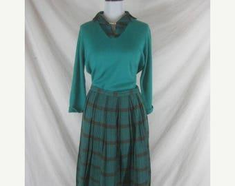 On sale 50s 60s Alex Coleman Designer Green Plaid Womens Vintage Sweater Skirt Set W 26