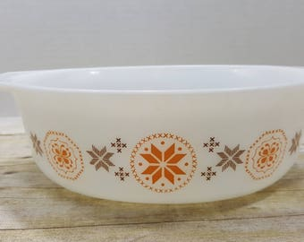 Vintage Pyrex Casserole, Town and Country