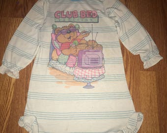 1980s girls nightgown