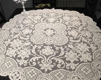 Summer sale Ecru filet lace oval tablecloth. Handmade filet lace doily.  Swedish vintage from 1950.