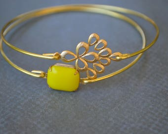 Closeout item--------- Gold Flower Filigree Bangle Set- Jewelry -Bridesmaid  Gift.