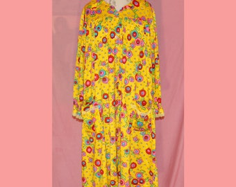 Super psychedelic 60s night gown
