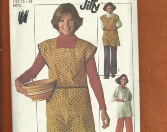 1976  Simplicity 7708 Kimono Style Smock with Square Neckline & Full Front Patch Pocket Size 12/14 Medium
