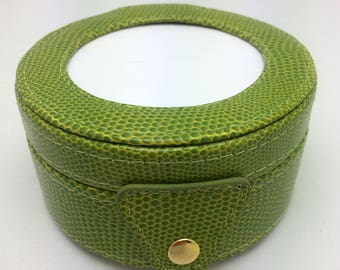 Needlepoint LEE Gift Box LEATHER Green -Free US Shipping!!!