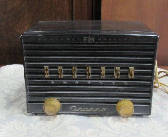 Black Crosley radio