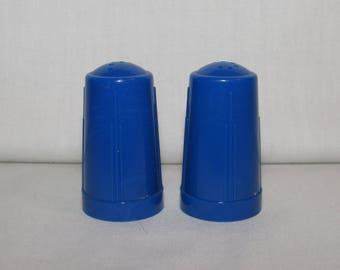 SALT AND PEPPER Modglin's Blue Plastic Shakers