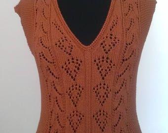 Top woman T.38/40, brick stitch Openwork, sleeveless