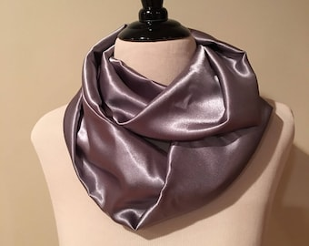 Infinity Scarf. Silver / Gray.