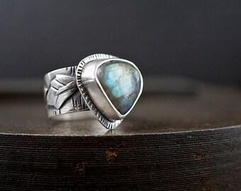 Labradorite Ring, Size 9 , Wide Band Sterling Leaf Ring , Blue Gemstone Silver Vine Ring , Botanical Jewelry