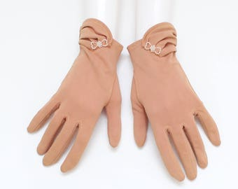 Short Tan Pearl Bow Gloves - Vintage 1950s Ladies Formal Gloves