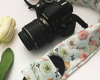 Light Blue Floral and Feather Padded Camera Strap Cover, Floral Camera Cover, Photography Accessories, Gift for Her, Gift Under 20