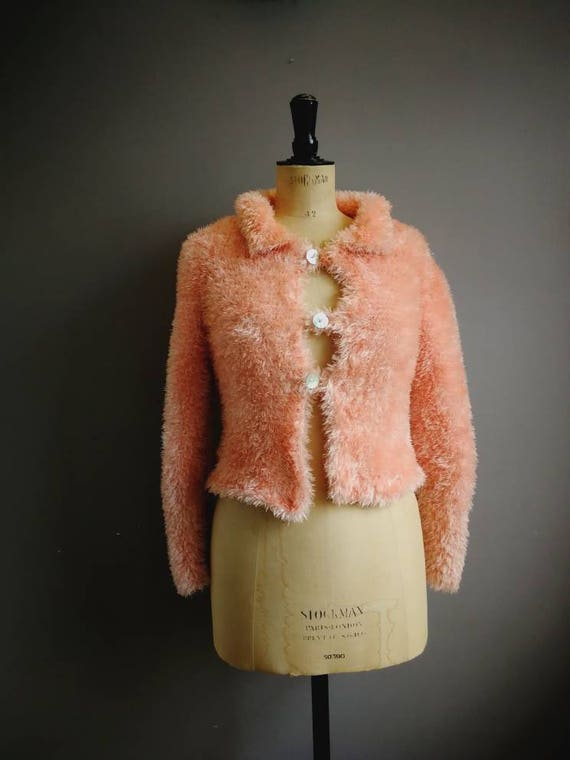Peach fluffy cardigan / 90s peach mini cardigan / clueless 90s pink cardigan / very fluffy stretchy peach cropped cardigan
