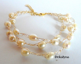 Natural freshwater pearls and gold plated bracelet